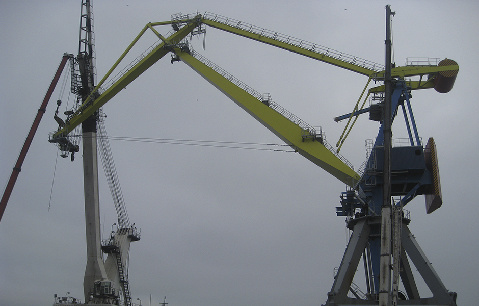 "Double-jib ""Mark-45"" crane erection - Kondor & Co"